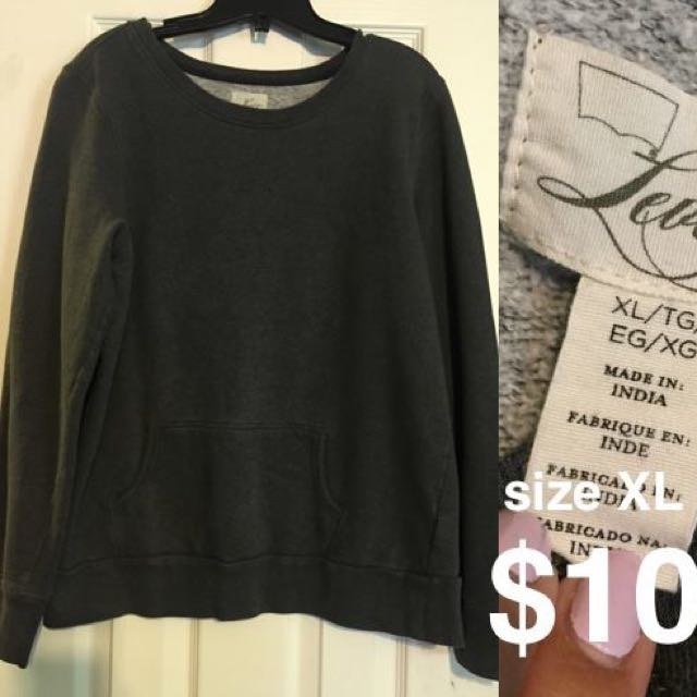 ***PRICE DROP*** Levi's Crew Neck Sweater
