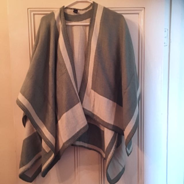 MIMCO Shawl - One Size Never Worn!