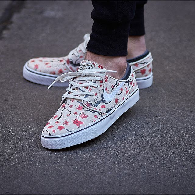 best website c914e fa449 Nike SB Zoom Stefan Janoski Elite Cherry Blossom Sail White Hyper  Pink Black, Men s Fashion, Footwear on Carousell