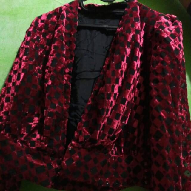Preloved Blazer Merah