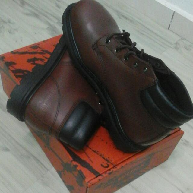 0cf1a3e739f Safety Shoe (Worx by Red Wing Shoes)