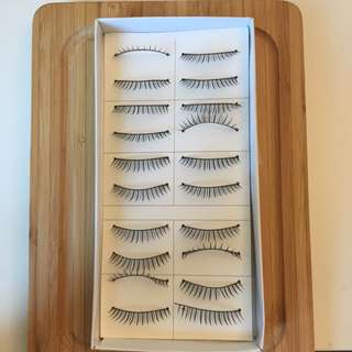 5 Pairs Of Fake Eyelashes