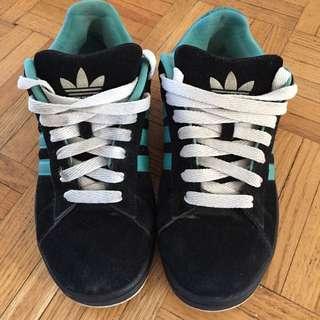 Size 10 Adidas Shoes - Unisex