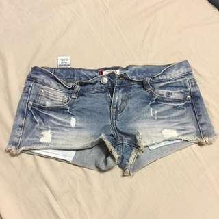 極短牛仔短褲