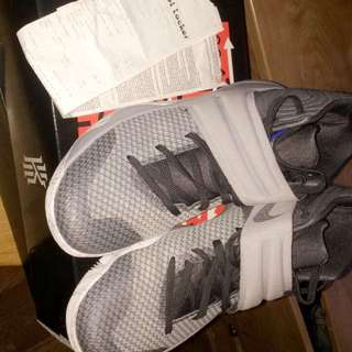 Kyrie 2 Size 10