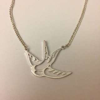 ✨PRICE DROP✨Bird Necklace