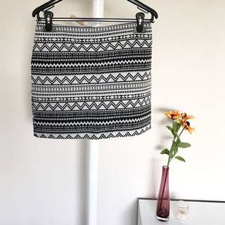 [CHICABOOTI] Aztec Mini Skirt