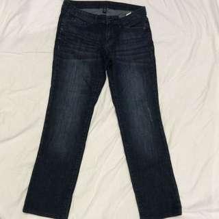 GAP 1969 Woman's Straight Dark Wash Jeans Size 6 / 28 S