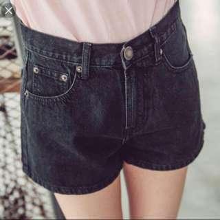 Queen Shop黑色牛仔短褲