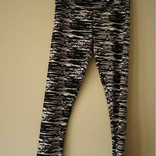 ICE Design- Black and white leggings