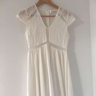 Excellent Preowned Lace Dress