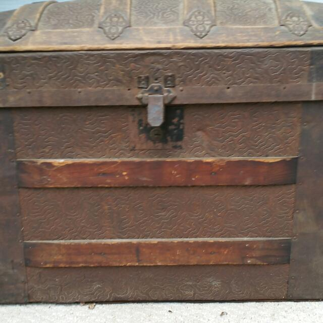 1800s Steamer DOME Trunk