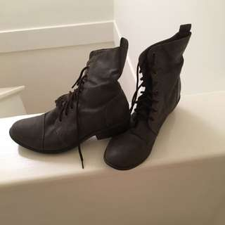 Betts Tie Up Boots