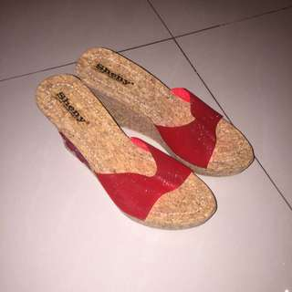 Red Flower Wedges