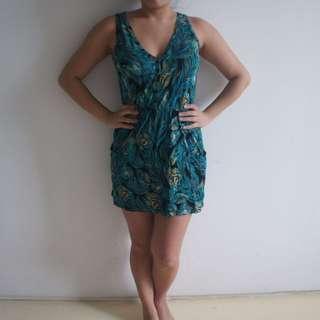 Size S-M Peacock print Jersey Dress w/ Pockets