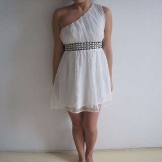 Club L size 10 White Chiffon Formal off-shoulder ribbon tie dress