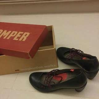 Camper 鞋