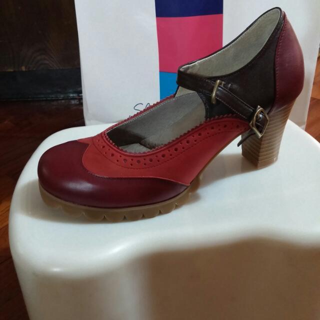 全新紅色氣墊高跟鞋