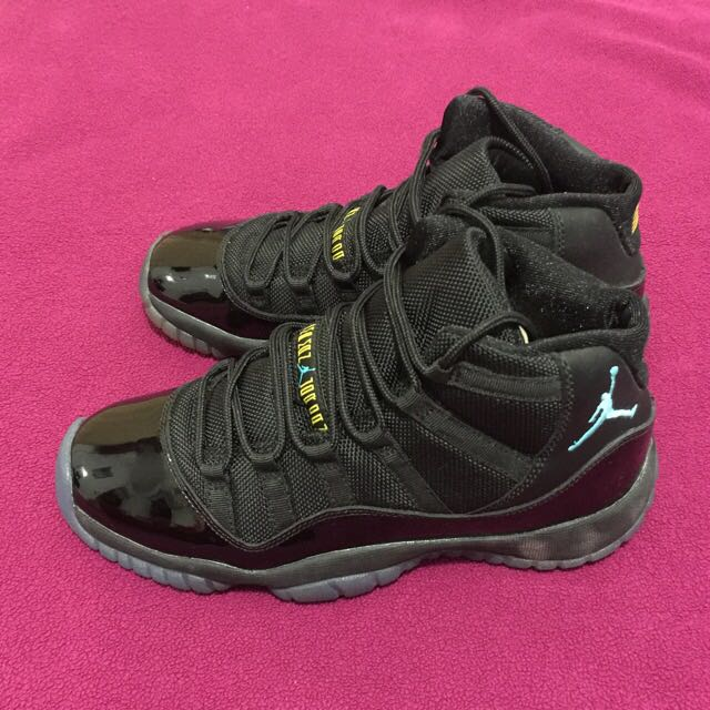 ** MOVING OUT SALE  - $150 ** Jordan XI Gamma Blue GS - 4.5Y (US)/ 4(UK)
