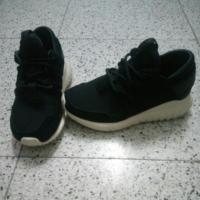(代售)Adidas tubular nova