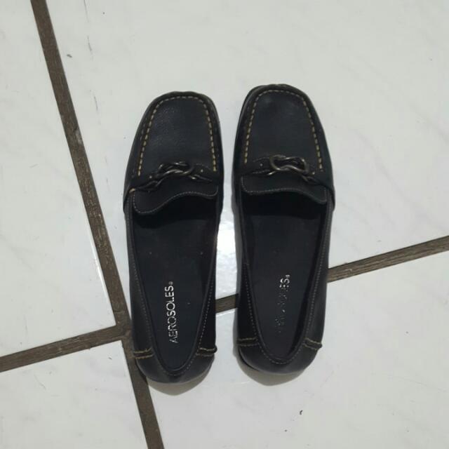 black leather aerosoles