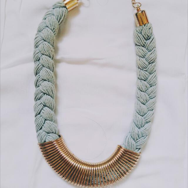 Blie Necklace