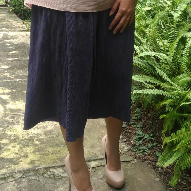 Blue Unique Wide Pleats Pants