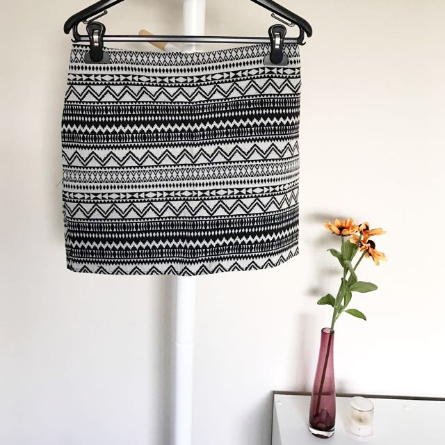 [CHICABOOTI] Aztec Mini Skirt