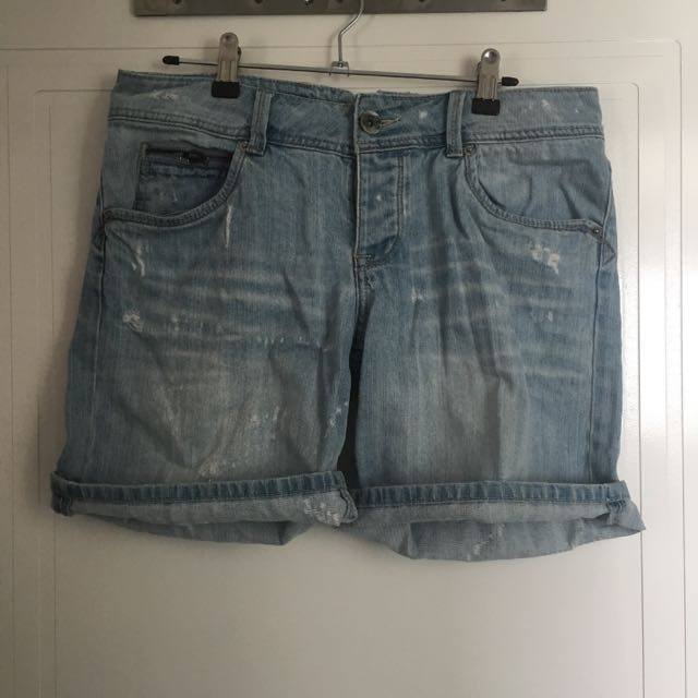 ad2f46f6cf Just Jeans Denim Shorts Size 9, Women's Fashion, Clothes on Carousell