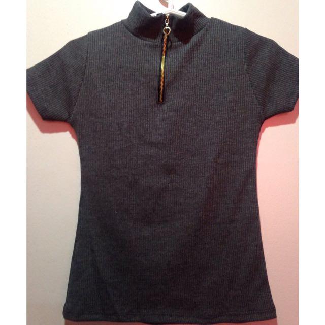 semi turtleneck blouse