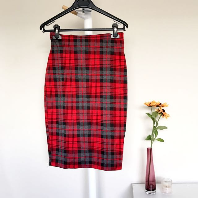 [VALLEYGIRL] Checkered Midi Skirt