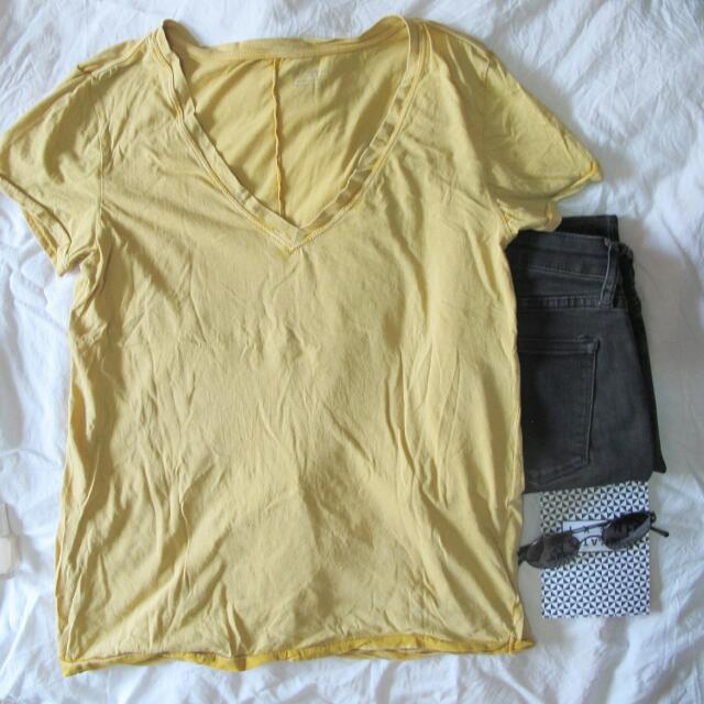 XS Urban Outfitters 100% Cotton T-Shirt