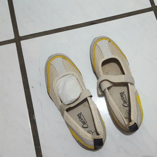 yellow curves shoes