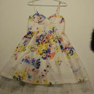 Full Floral Mini Dress (Size Small)