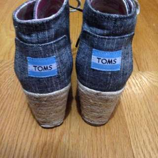 PRICE DROPPED TOMS wedge Booties