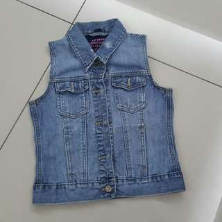 Girls Gap Jeans Vest (9-10years)