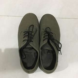 vans shoes green army