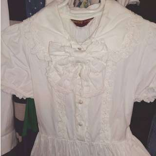 💐 White Bodyline Lolita Dress with Heart Buttons and Bow 💐