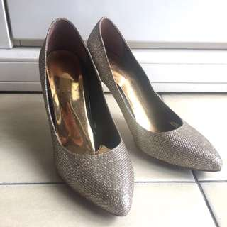 Gold Glittering Shoes