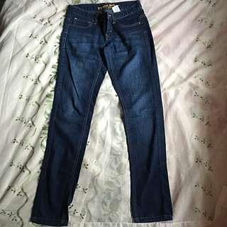 GIORDANO Essential Jeans- Slim