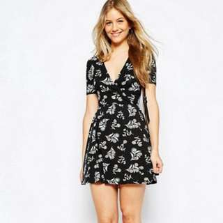 UK6 Wrap Tea Dress