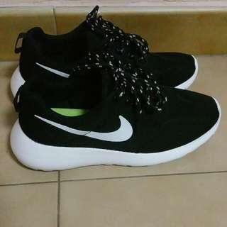 Inspired Nike Roshe