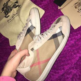 WOMENS BURBERRY SNEAKERS