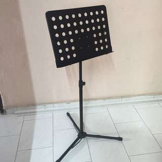 [RESERVED] Music Stand