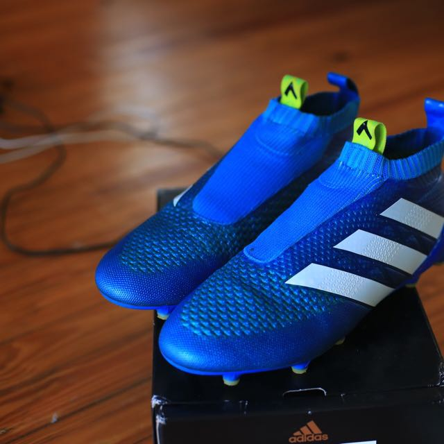 Adidas pure control 16+ US10.5 football boots