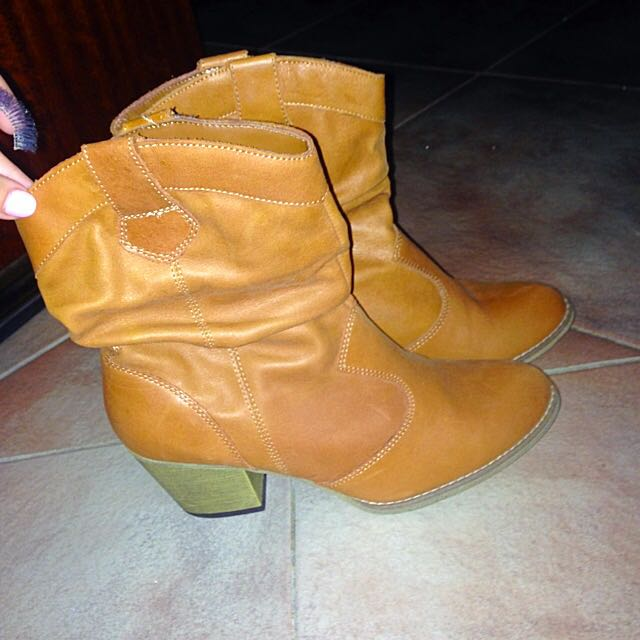 Brand New Ankle Boots (Size 7)