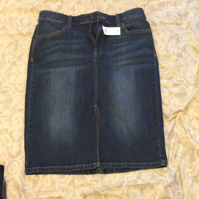 Brand New Banana Republic Pencil Jean Skirt