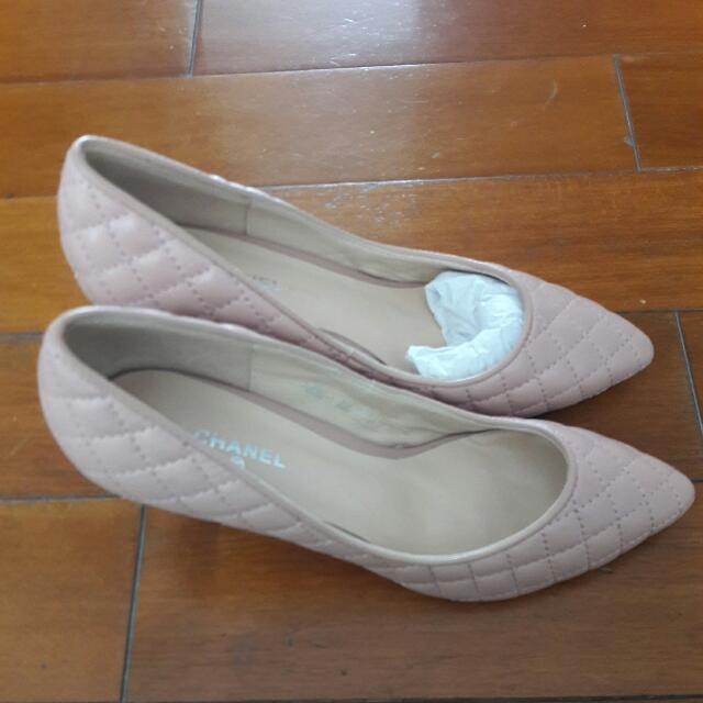 CH@@ shoes Size 37