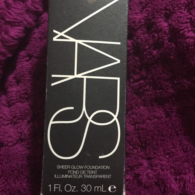 NARS Sheer Glow Foundation MED/DARK2