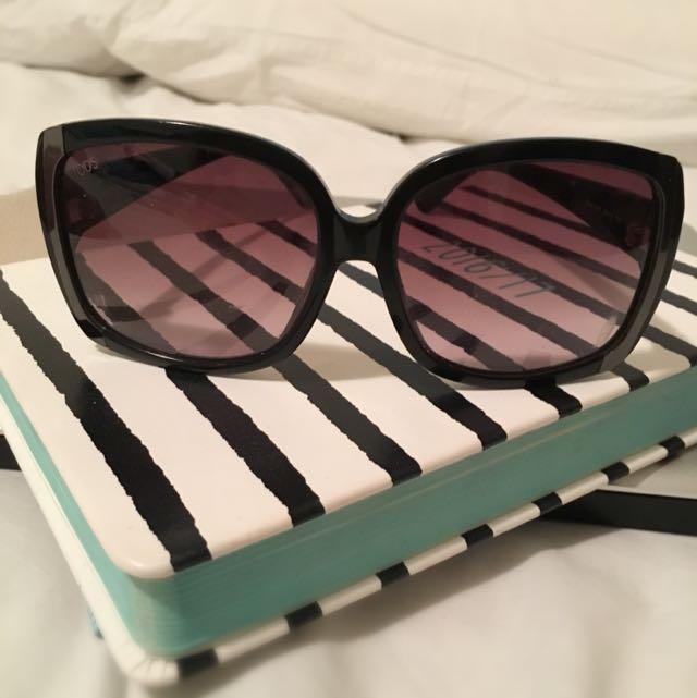 Sunglasses /Tods Designer Shades
